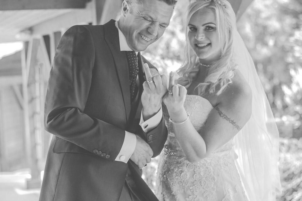 otley-chevin-lodge-wedding-leeds-bradford-photographer-chicca-62.jpg