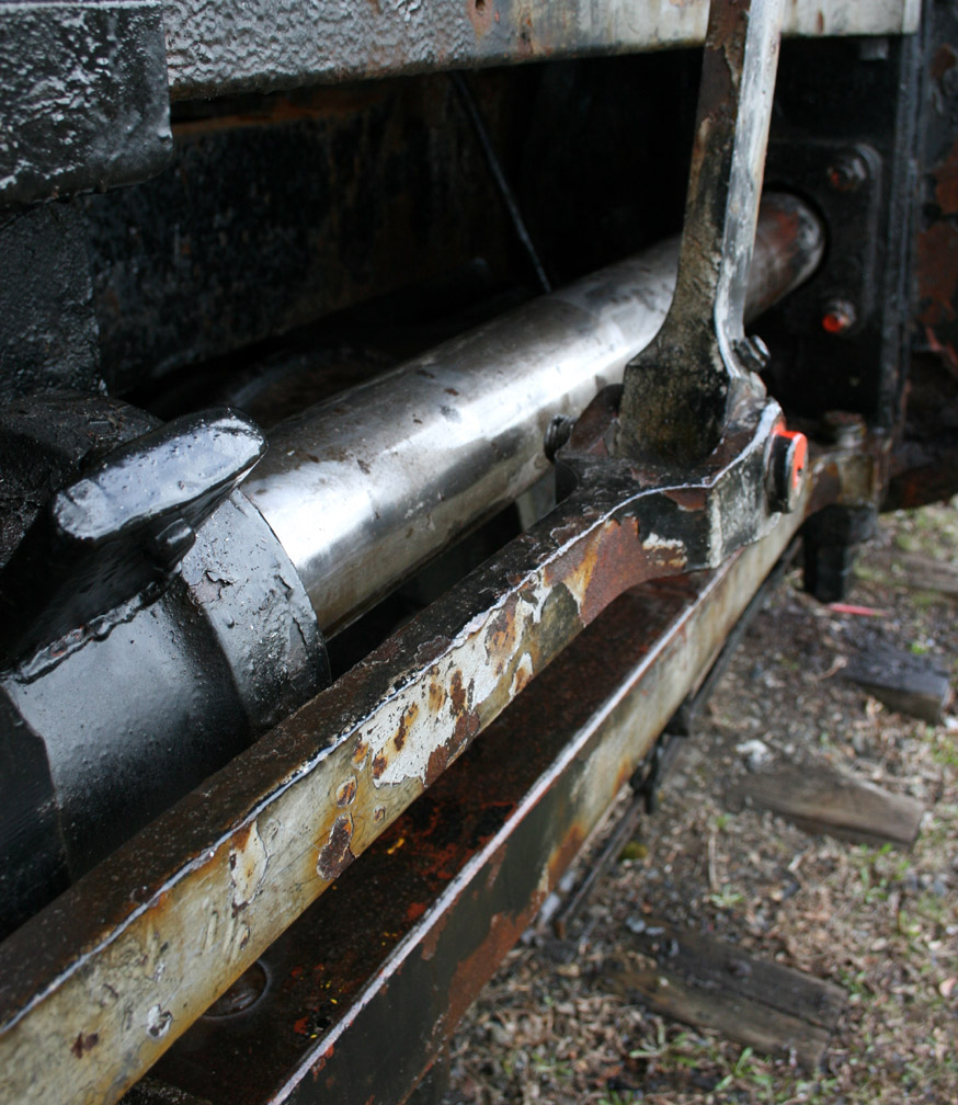 Oiled piston 1.JPG