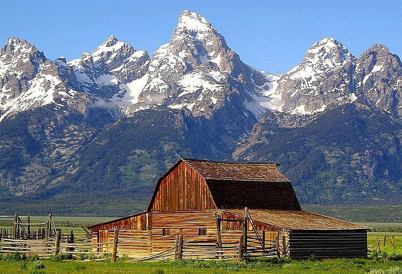 Mountain-Barn.jpg