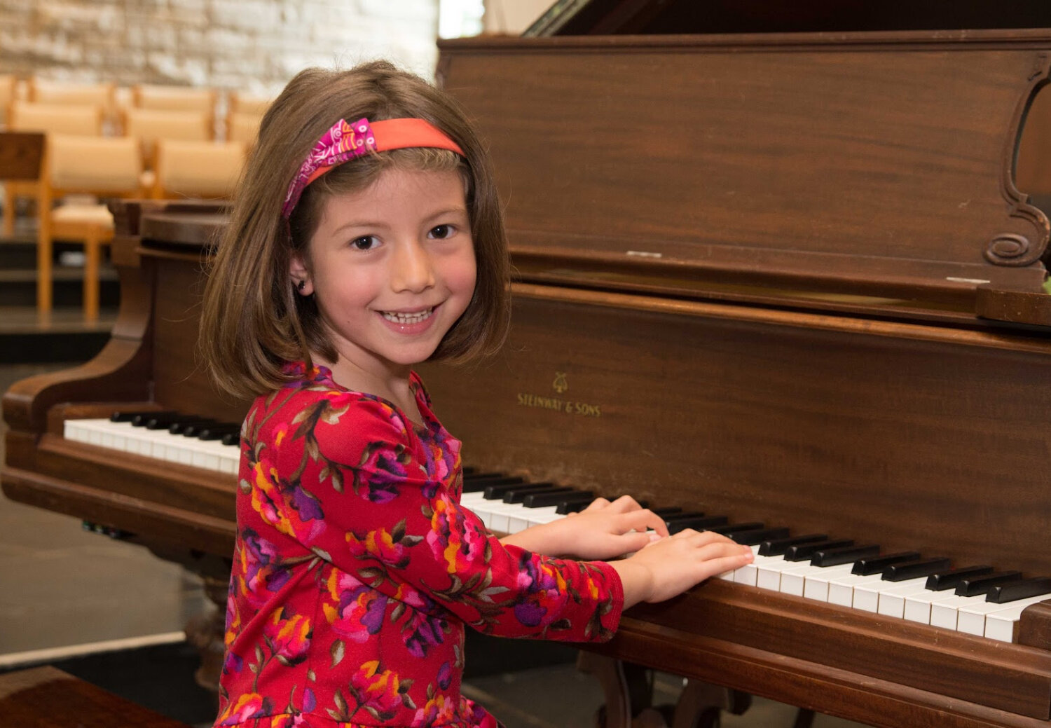 piano-girl-mendota-heights-1550px.jpg