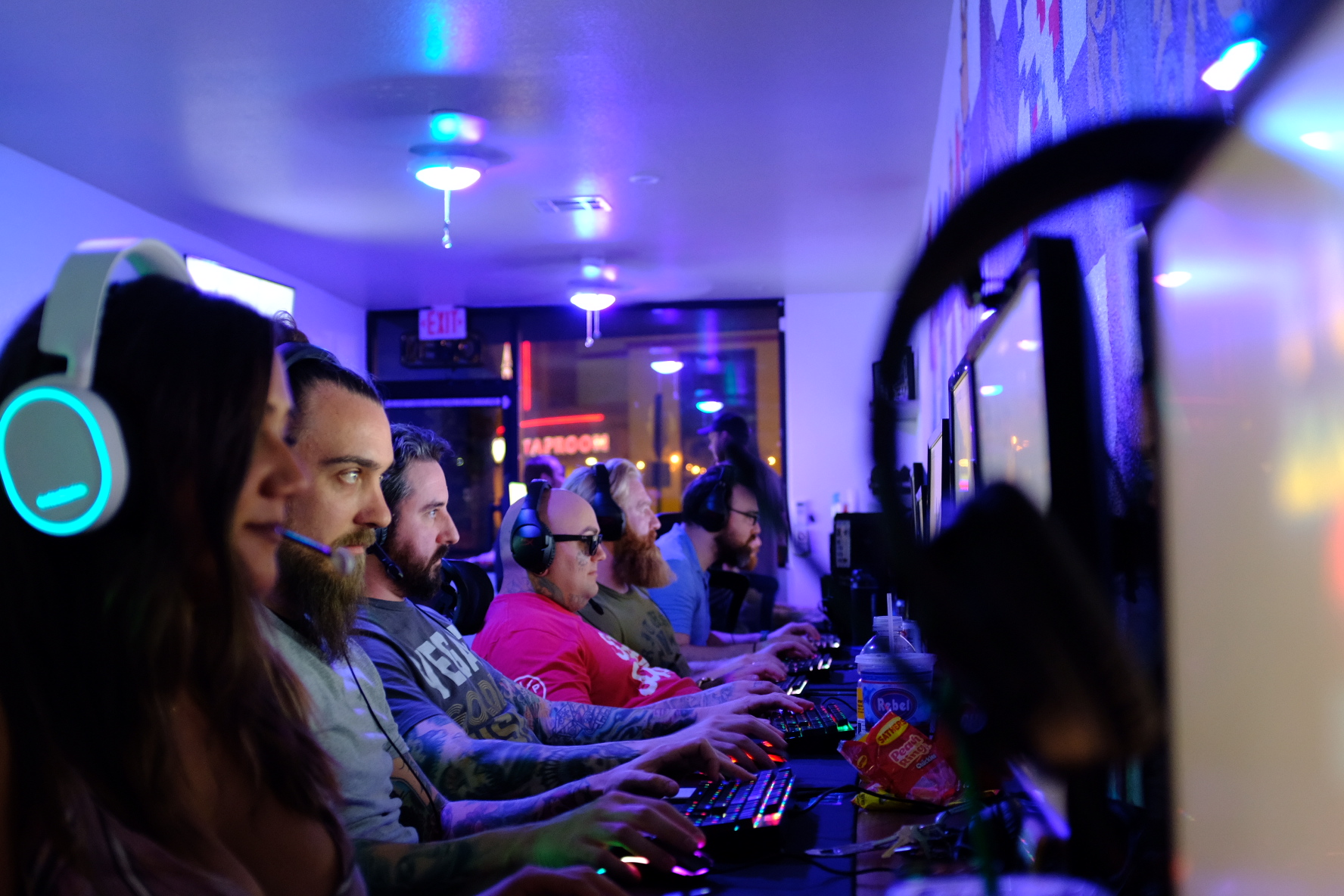 THE LAS VEGAS VALLEY'S NEWEST PC GAMING CENTER