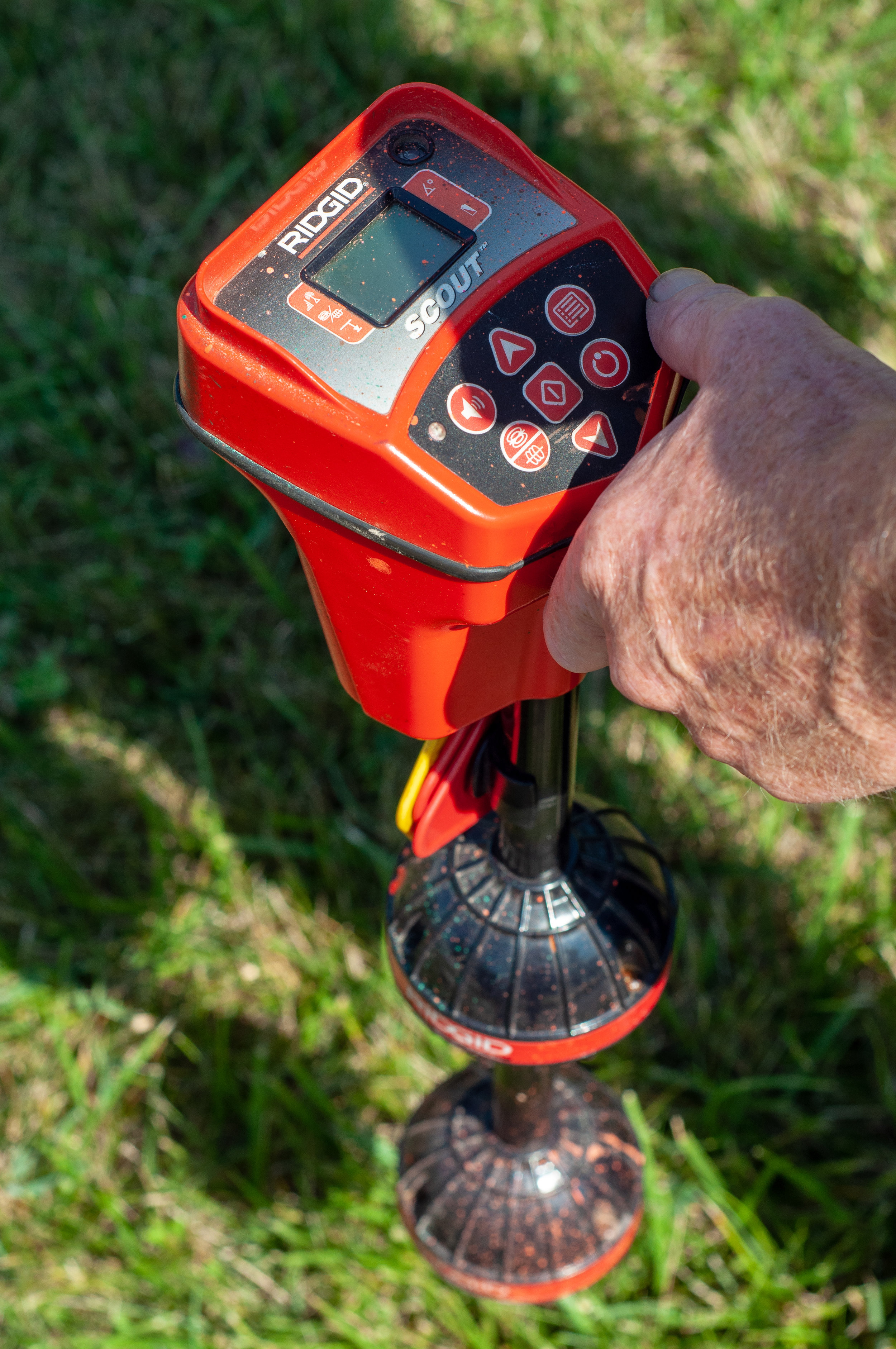 Rigid electronic sewer and drain problem locator by Rapid Flush