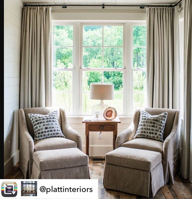 We're loving this interior by @plattinteriors with curtains in our Caroline Oyster 😍