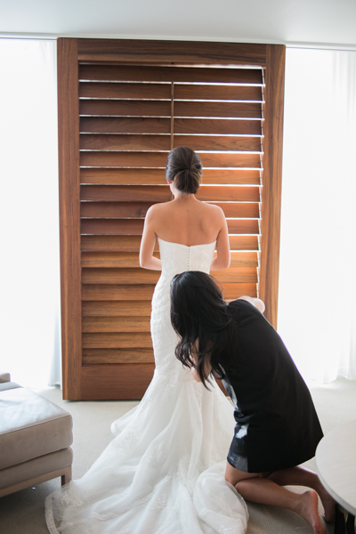 Bride_Getting_Ready_Hawaii_Wedding.jpg
