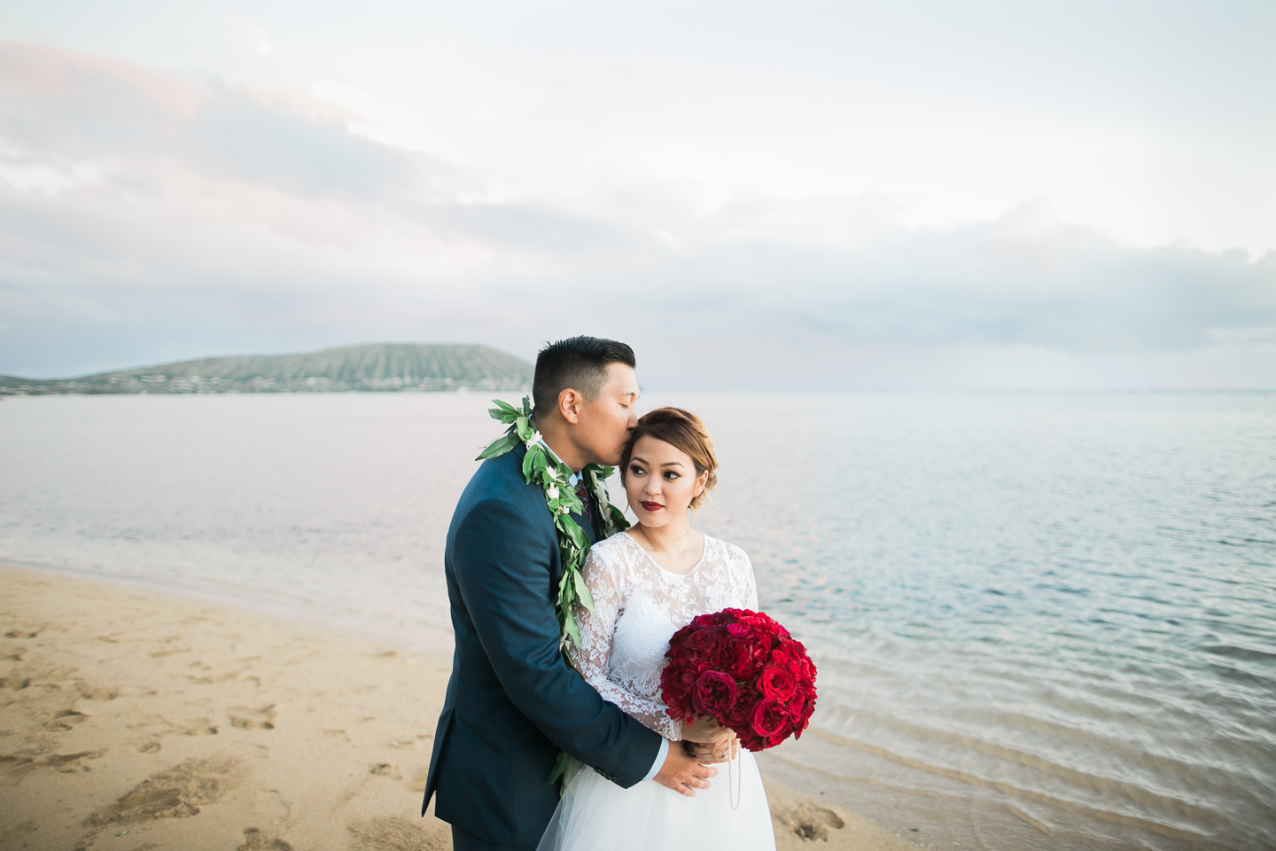 Bride_and_Groom_Wedding_Portrait_Hawaii.jpg