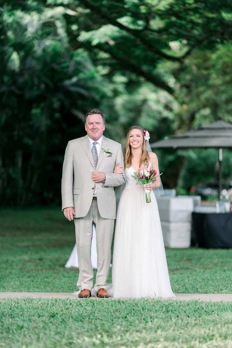 Kualoa_Ranch_Destination_Wedding_Modern_Photo_0020.jpg