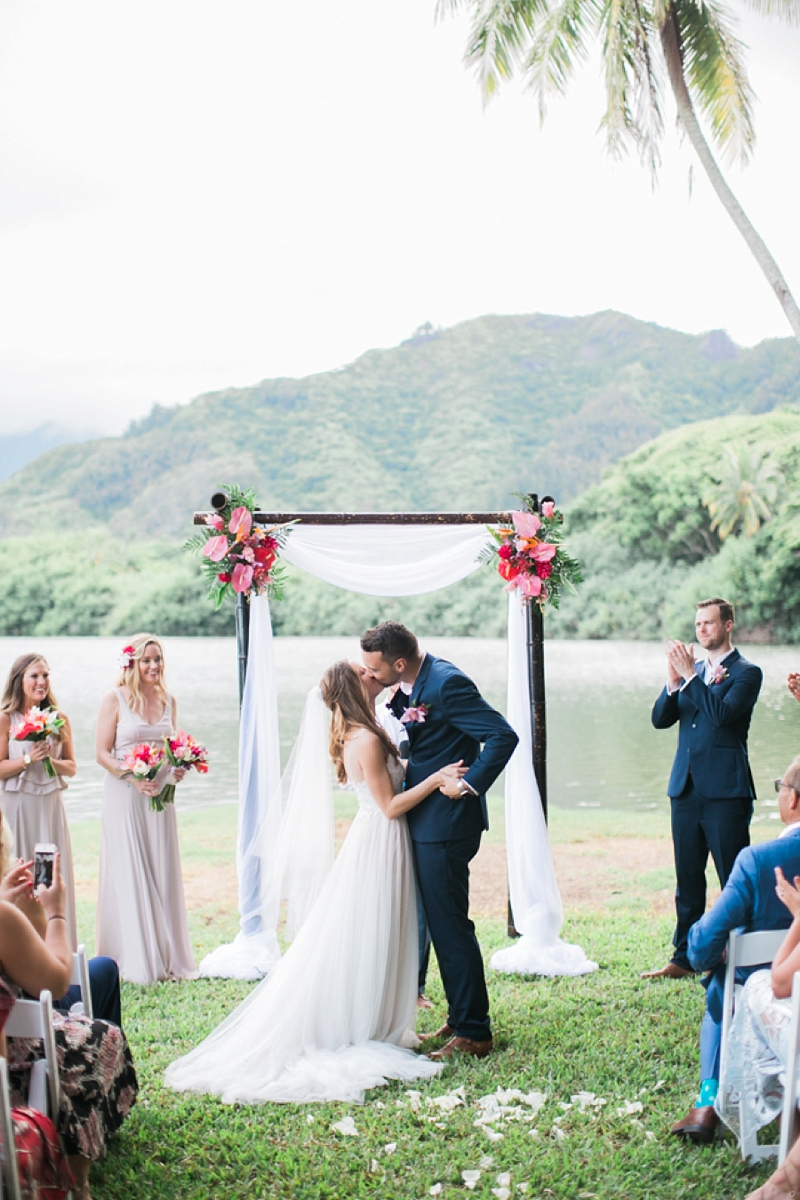 Kualoa_Ranch_Destination_Wedding_Modern_Photo_0026.jpg