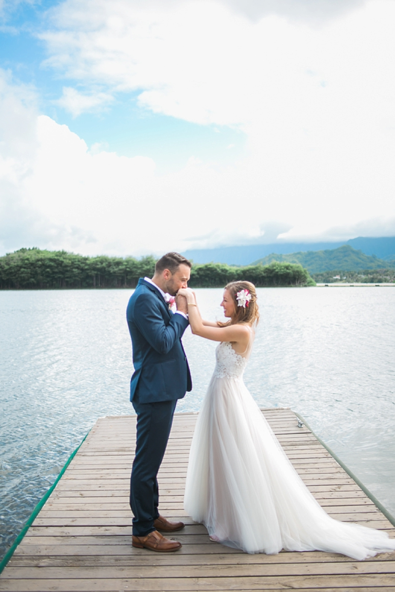 Kualoa_Ranch_Destination_Wedding_Modern_Photo_0034.jpg