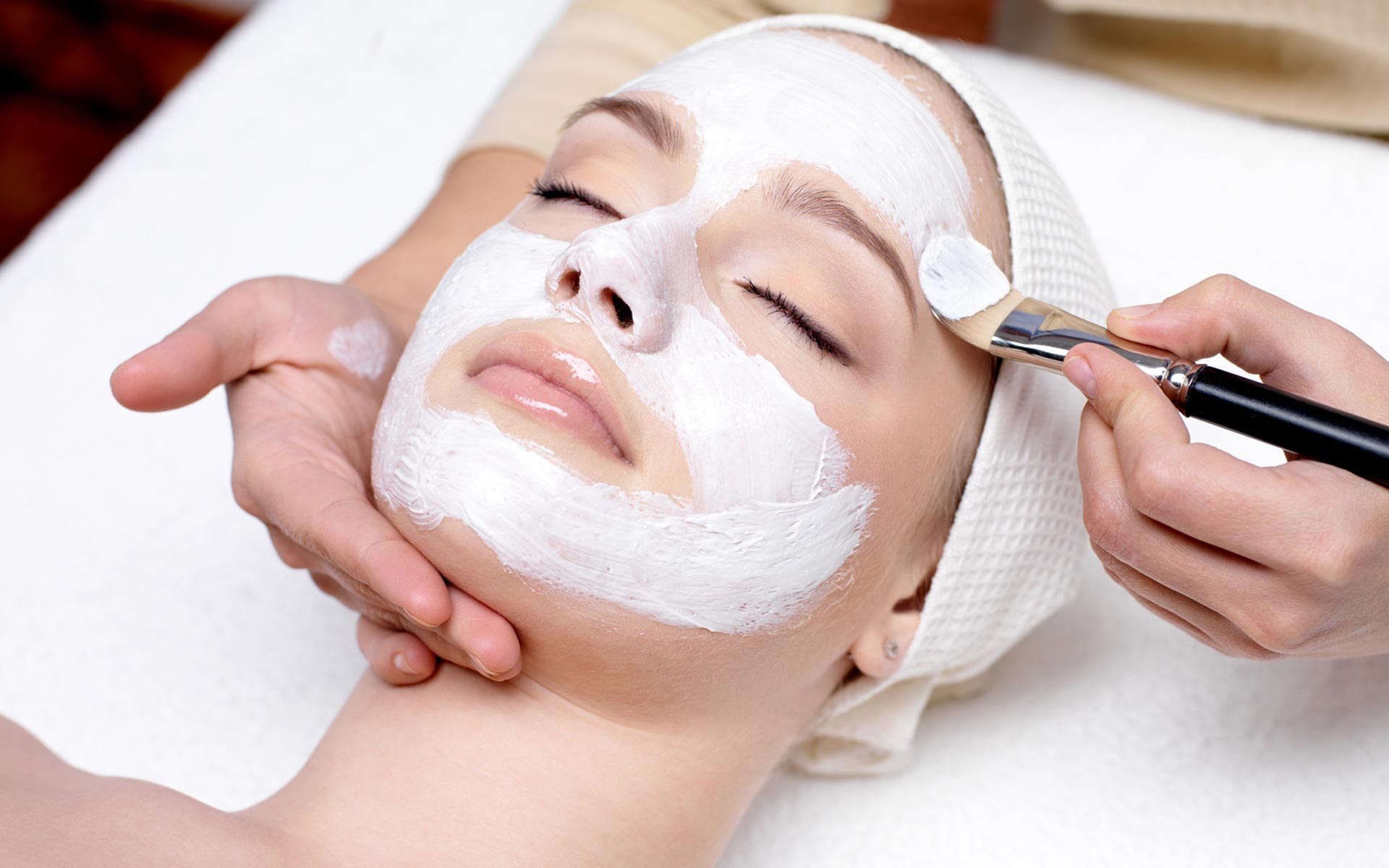 Pregnancy Facial - During pregnancy your hormones are constantly changing, which usually results in a change in skin type. Women who haven't had spots since their teenage years now find themselves with oily skin and blocked pores. Or the skin can become very dry and dull causing makeup to appear lacklustre. Having a personalised facial can not only relax tired eyes but help even out your hormonal skin. Eve Taylor products can be tailored to suit each individual's needs. Whilst the face mask is on pick your area to have a massage focus on and let your skin thank you later!30 mins = £22                    60 mins = £42