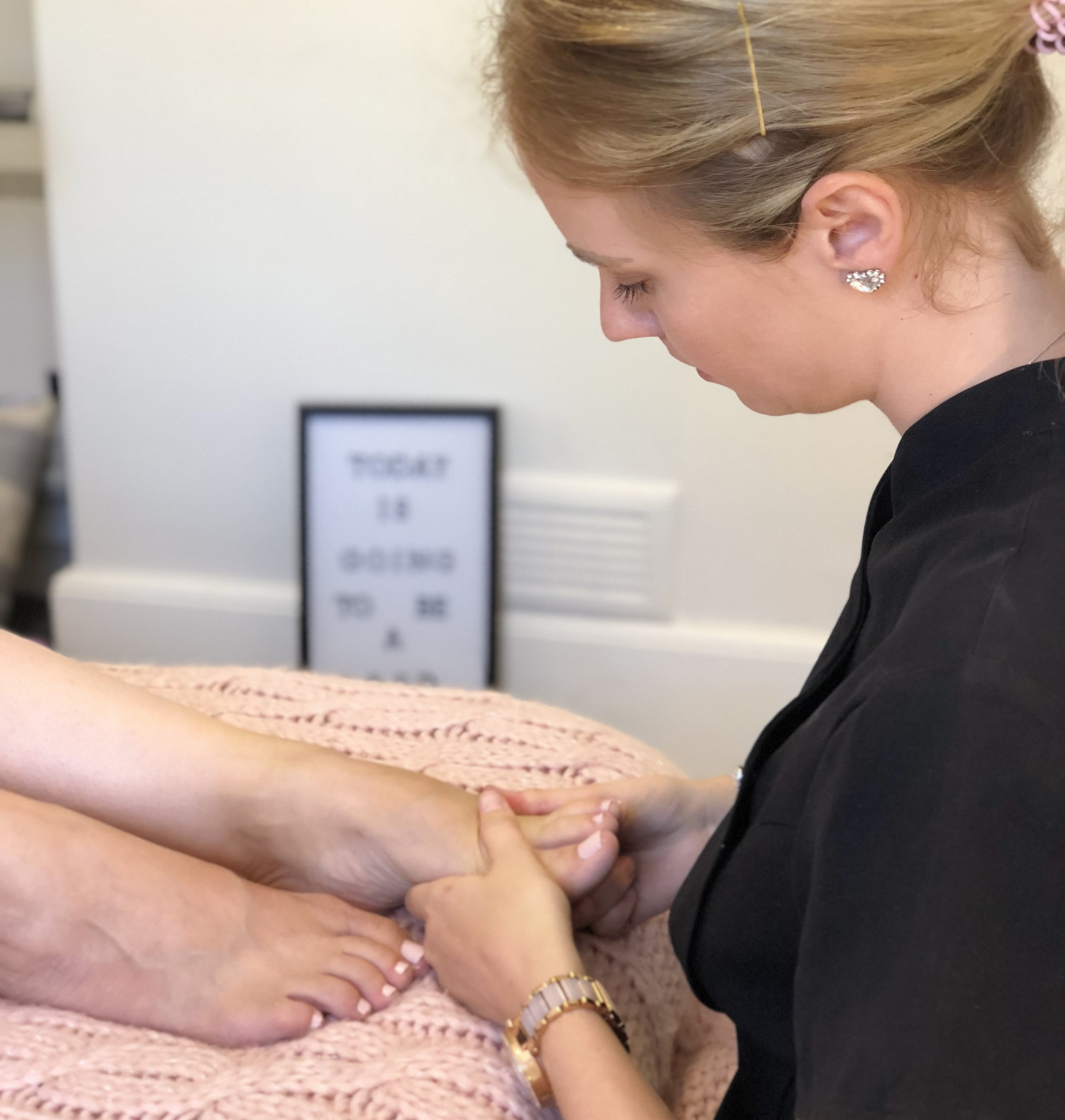 Well-being Package - 4 x sessions every other week over 2 months. This is the perfect way to follow on from the Next Chapter Package£205One Off Treatment1 hour session£55Payment is in full upfront for all fertility treatments and the individual sessions are booked upon booking for the whole package.