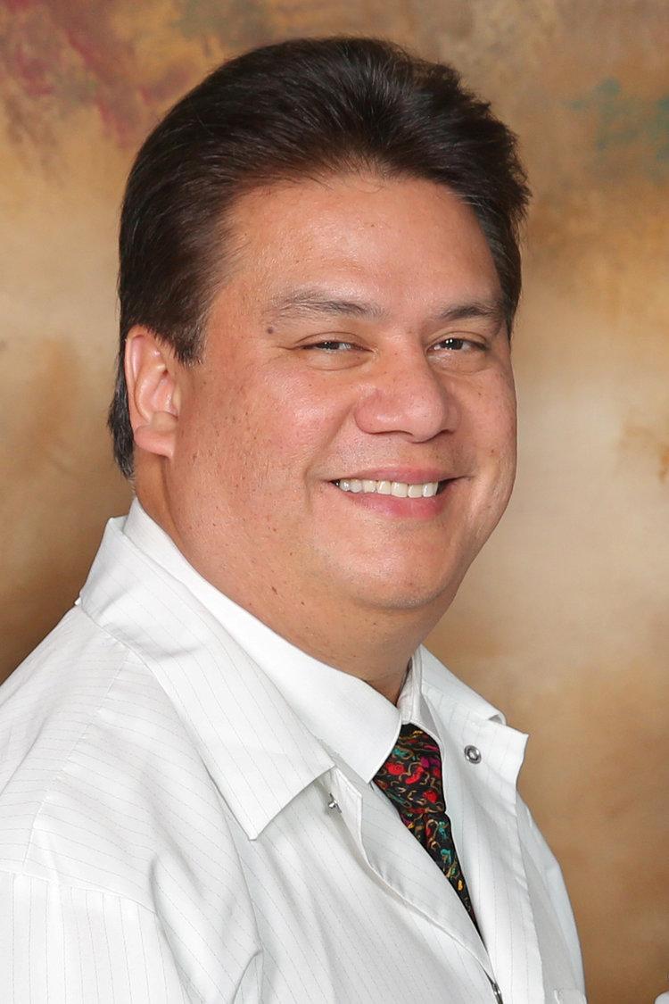 Dr. Rafael Estrella - Helix Dental