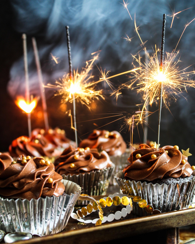 foodiesfeed.com_sparkling-chocolate-cupcakes.jpg