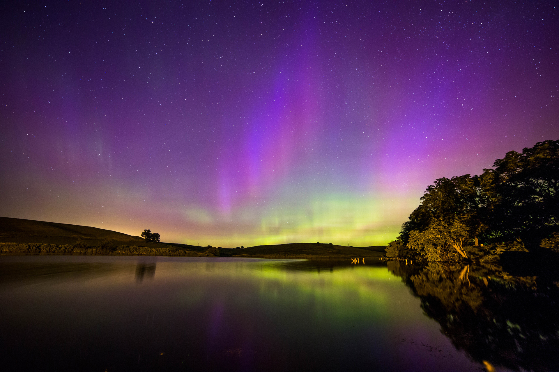 Iowa Lake Auroras Full Res.jpg