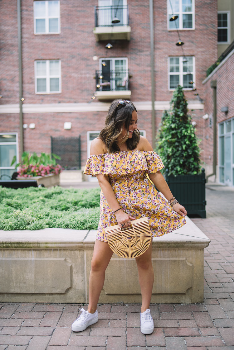 ROCK TENNIS SHOES WITH DRESSES — Style