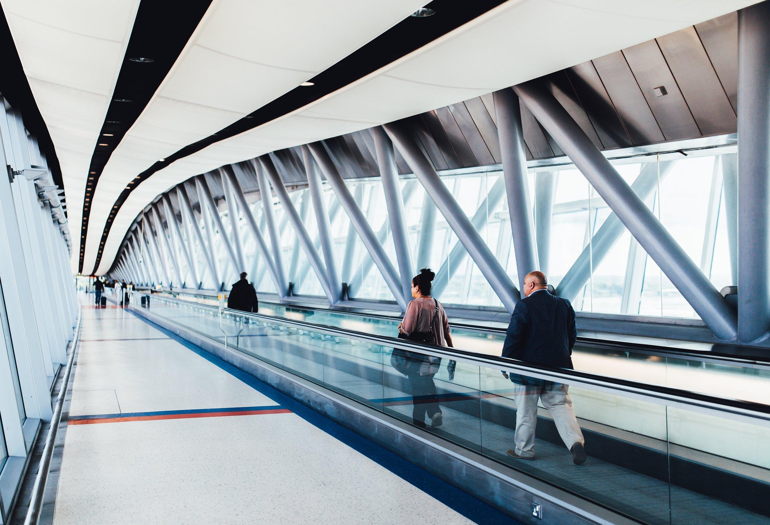 airport-airport-gate-boarding-34134.jpg