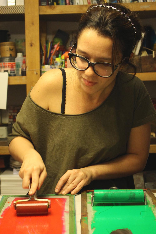 7-xilopress-xilografia-ilustracion-fotopolimeros-grabado-taller-letra-por-letra-papel-principal-letterpress-imprenta-tipografica-1.jpg