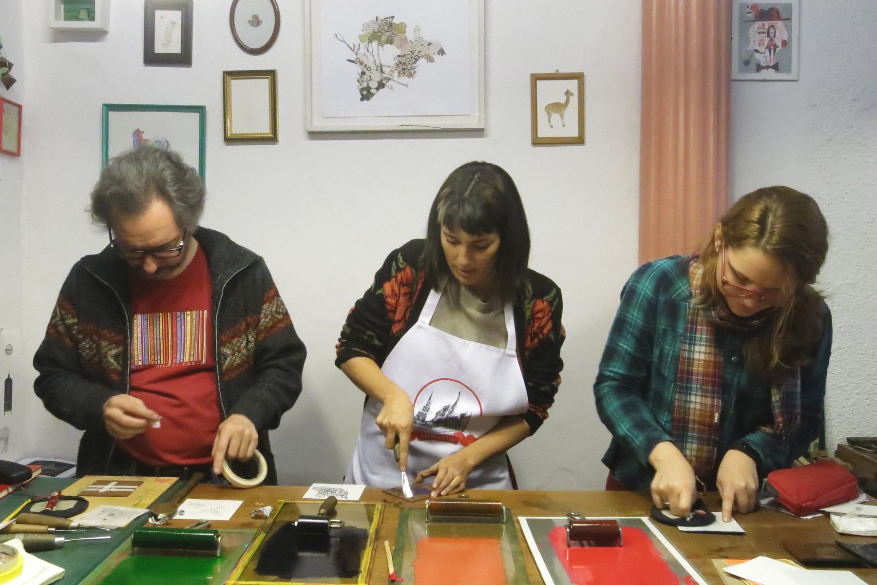 A-xilopress-xilografia-ilustracion-fotopolimeros-grabado-taller-letra-por-letra-papel-principal-letterpress-imprenta-tipografica-1.jpg