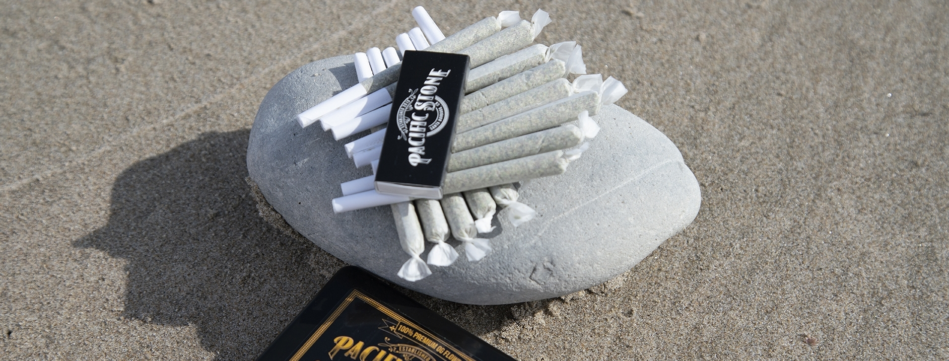 joints on rock.jpg