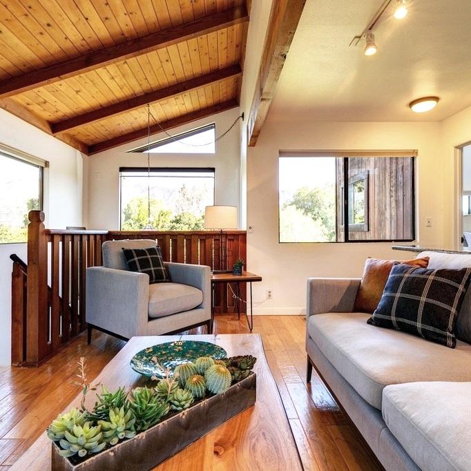decor elements selection & placement -