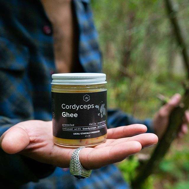 🧡Cordyceps Ghee🐮 An amazing Functional Food Made with our Cordyceps and Local Grass Fed Butter!! Produced by our sister company @cognitivefunction and it's got the MycoSymbiotics Seal or Approval! We take our Ghee and our Reishi Honey out every time we go foraging for an extra pick me up if we need some energy or start to get hungry! Mixing them together is the Ultimate Mushroom Powered ButterScotch! Have you tried it yet? It's always up on our online store as well as @cognitivefunction plus we will be carrying it at the Little Buffalo Festival and @mushroomcityartfest this Saturday and @conservationfilmfest on Sunday! Check the calendar at MycoSymbiotics.net to see where we will be next! . . . . . 📸 by @nesmithjosh