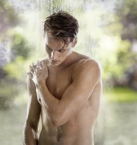Shower Man visual man_Internet.jpg