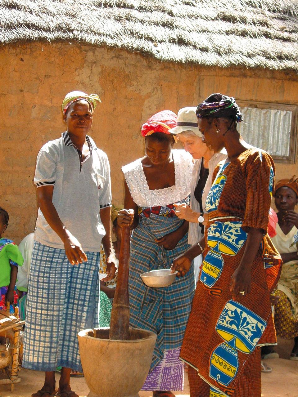 Burkina Faso, shea butter project - shea butter production_Press2142.jpg