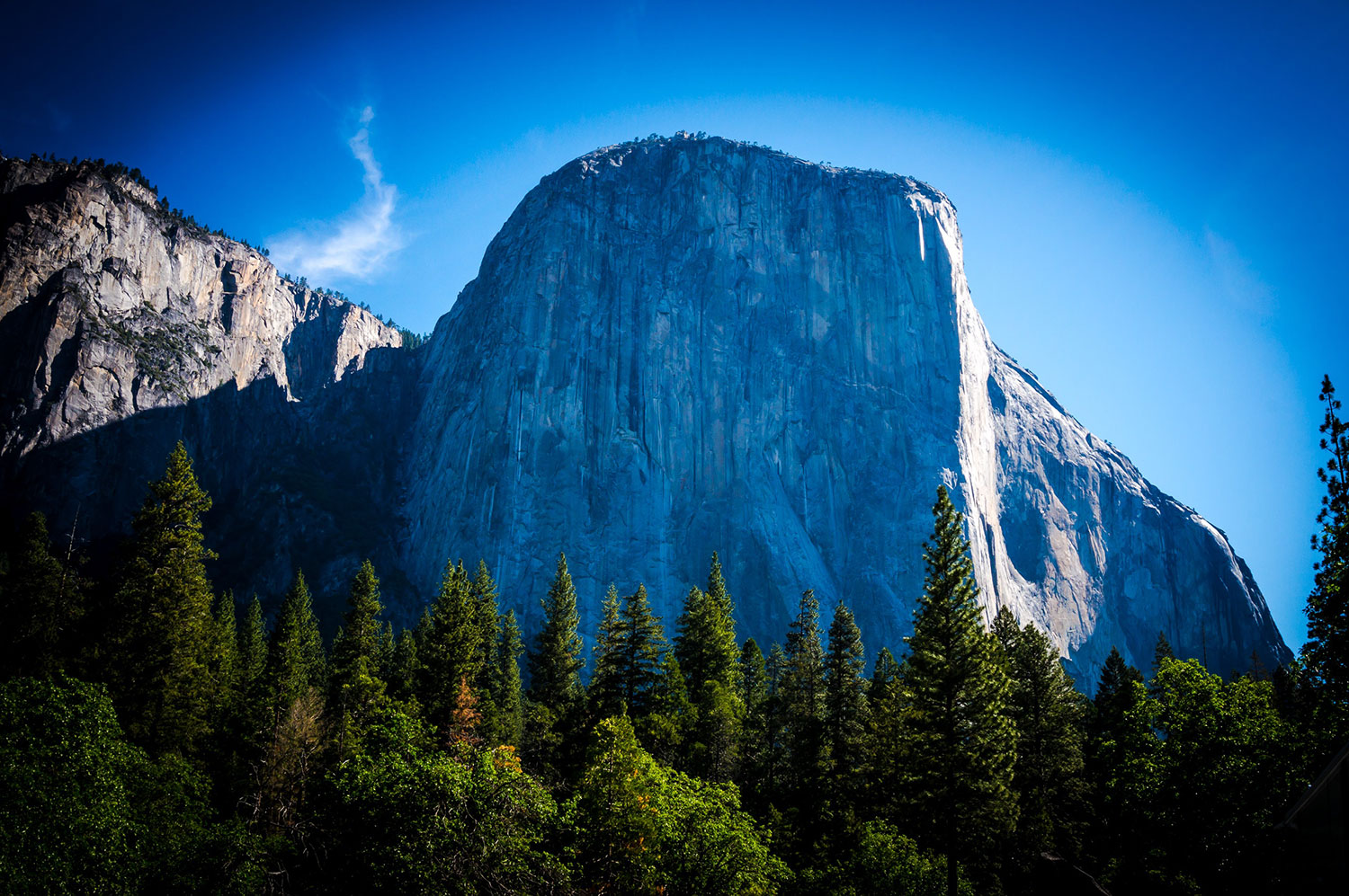 Man and woman fall to death from Yosemite National Park cliff  BBC - October 26, 2018