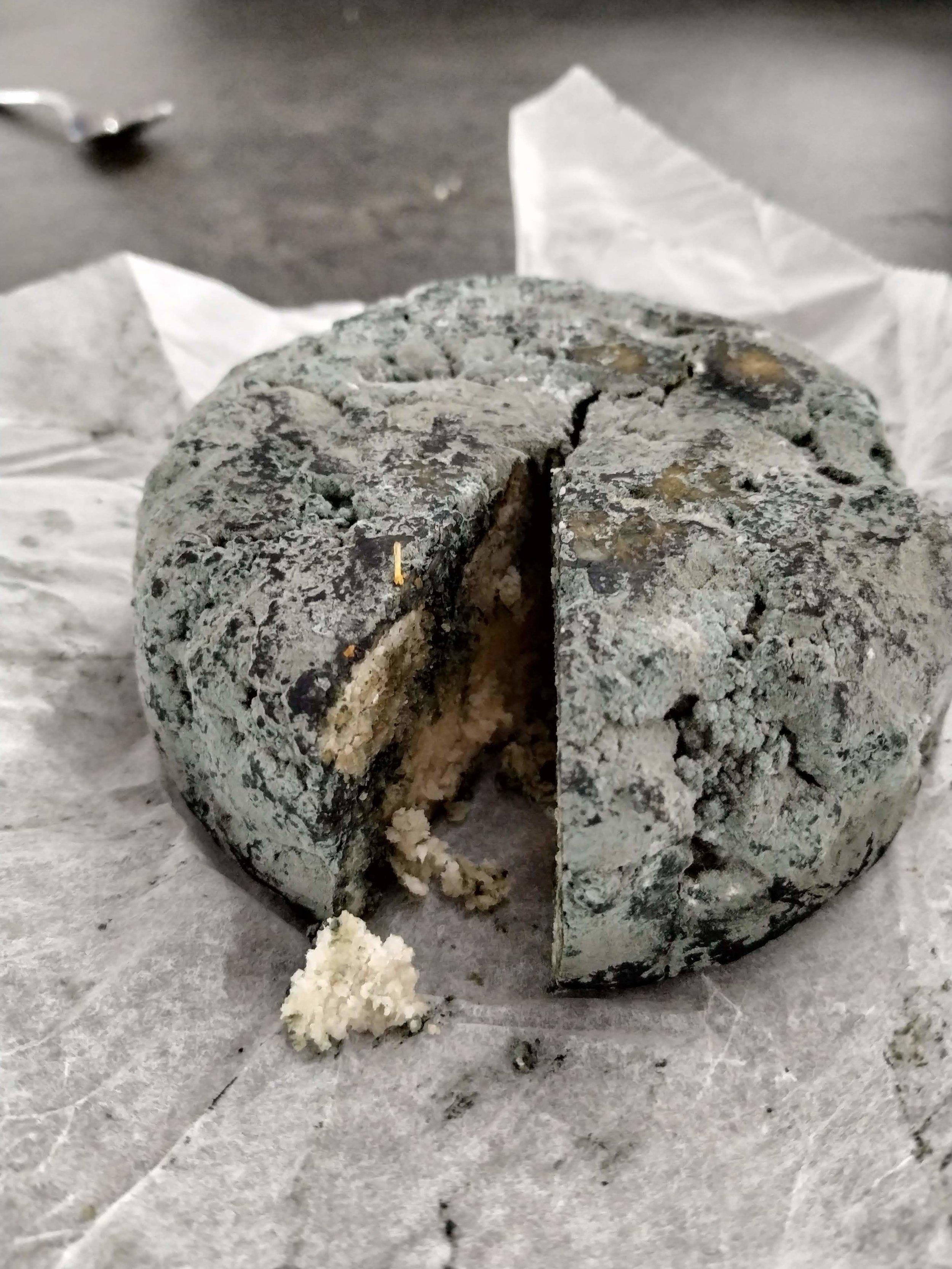 Queso Roquefort de almendras y avellanas