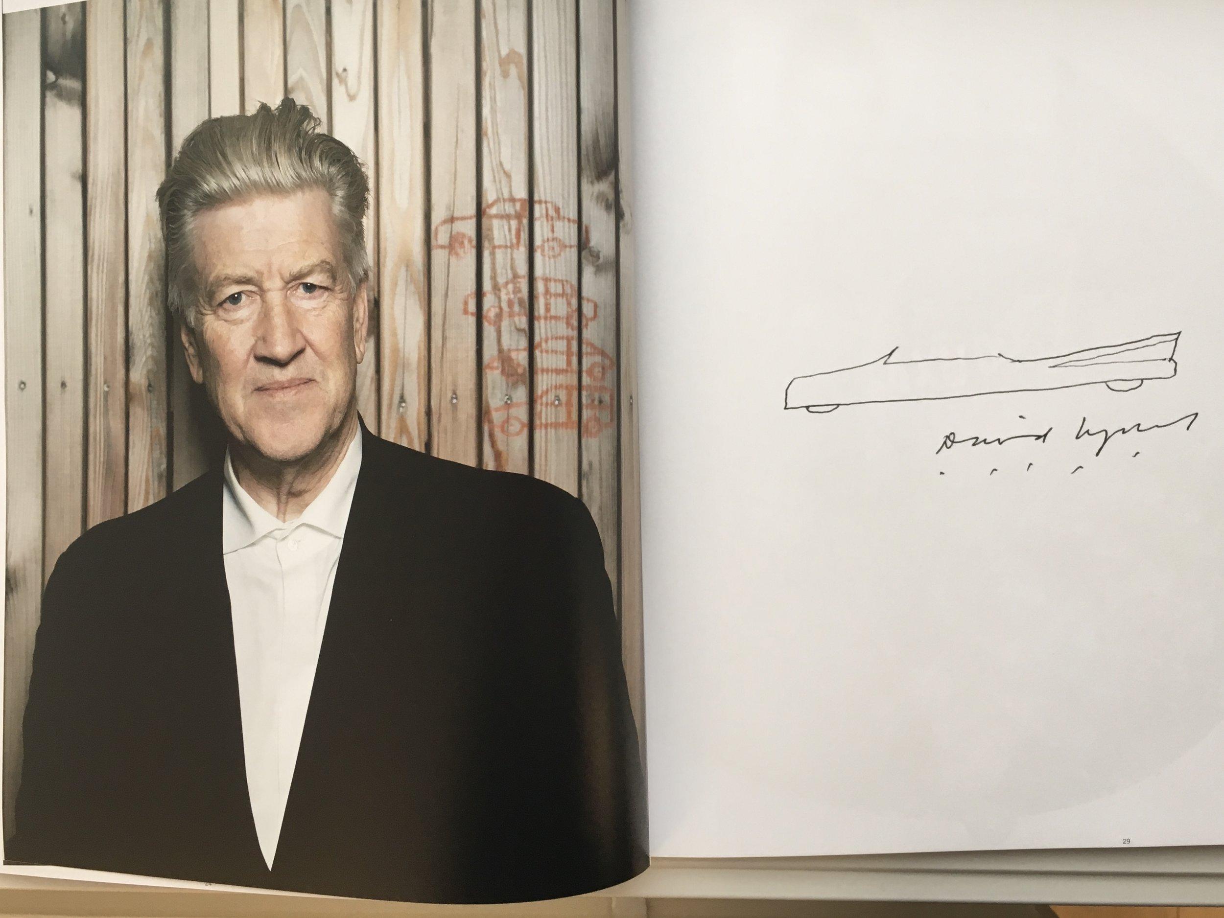 David Lynch på takterrassen til Grand Hotel i Oslo – under intervjuet med Carl's Cars. (Bildet over er en gjengivelse av fotoportrettet til Kimm Saatvedt i magasinet).