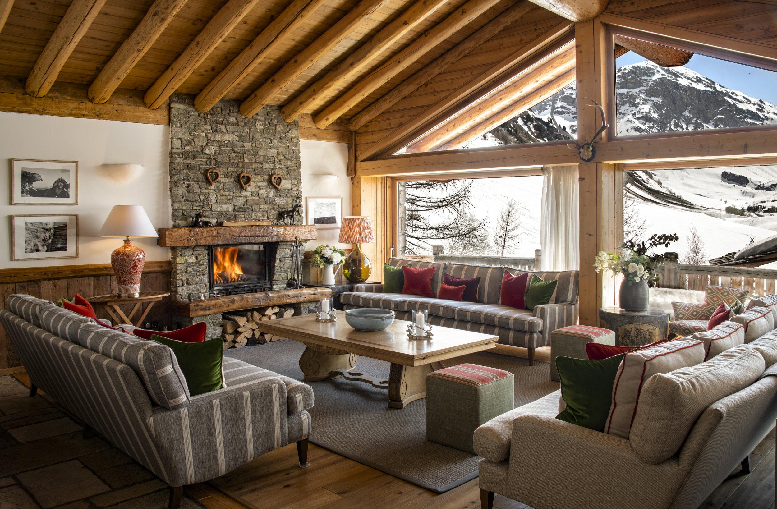 Lounge Area - Mistral 1.JPG