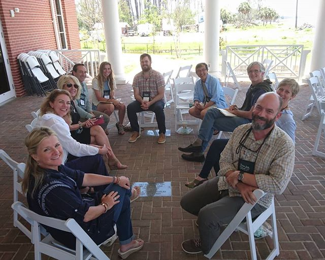 Taking a break... some of the  Faculty at @plein_air_south @pleinairsouth  #pleinair #pleinairpainting #digitalnomad #workandtravel #remoteoffice #painting #painters #breaktime #Florida #forgottencoast #oilpainter #pastelartist #watercolourartist