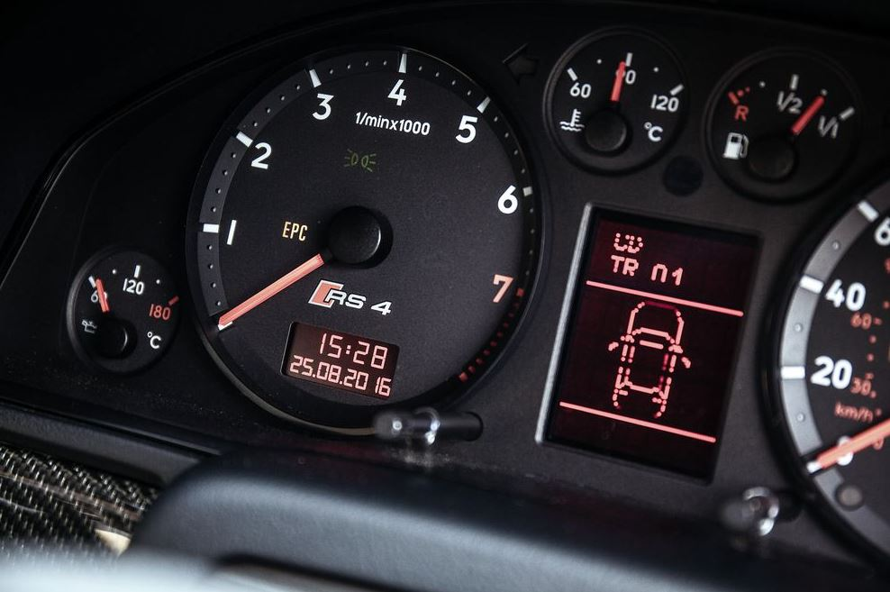 Audi_RS4_3.jpeg