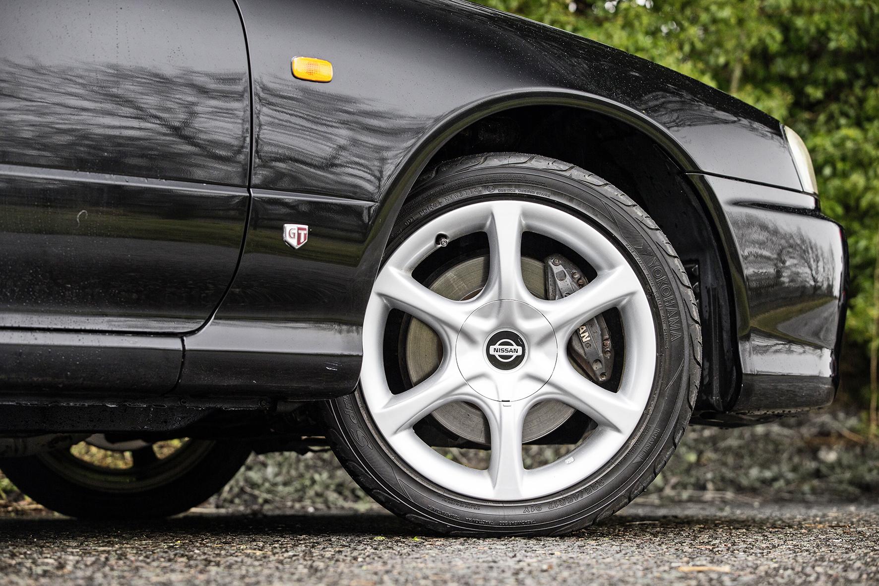 Nissan-Alloy-Wheels.jpg