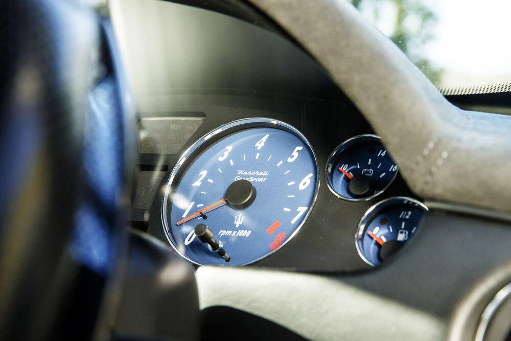 Maserati_Dash.jpg