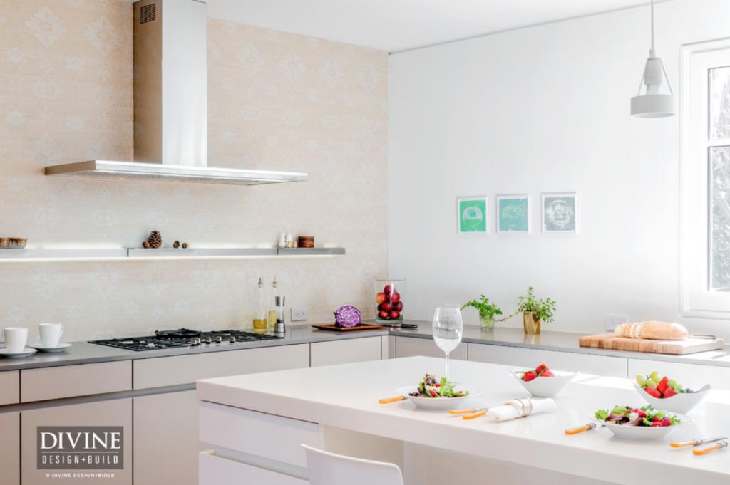 Add color to neutral kitchen - modern kitchen design