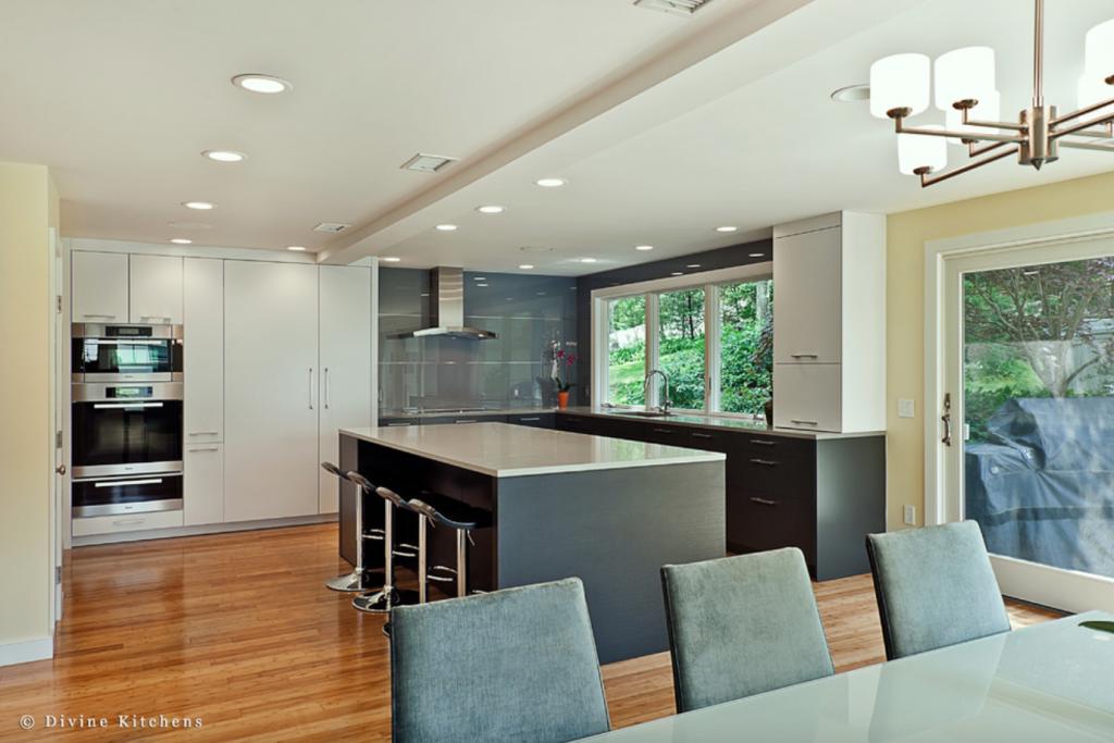 glass kitchen backsplash ideas 4