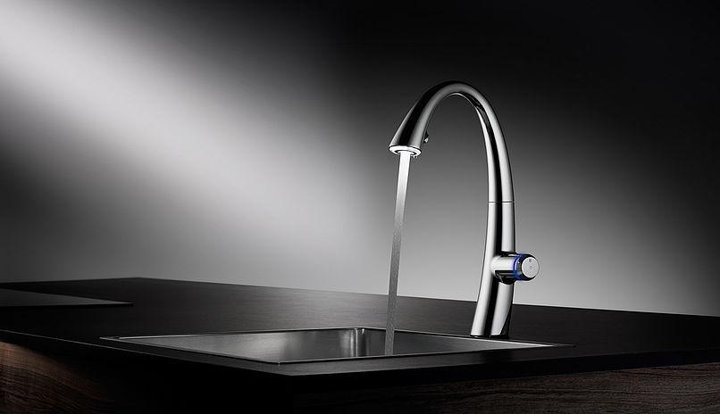kwx zoe touch light pro - modern kitchen faucet