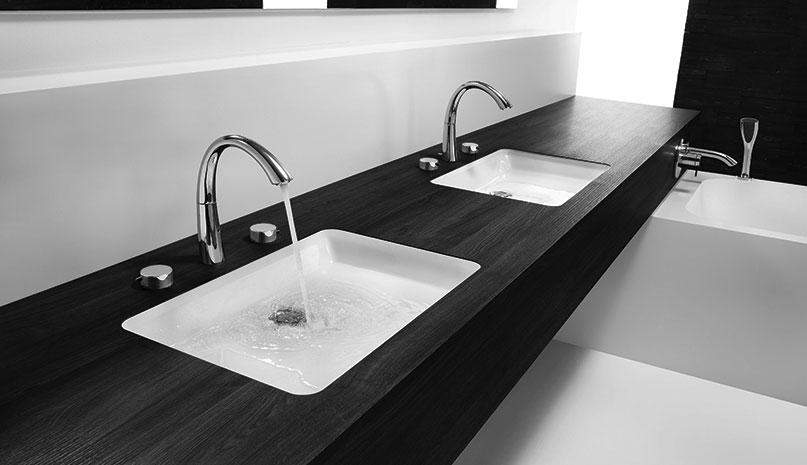 KWC-ZOE-Bath-Widespread-Faucet-bw
