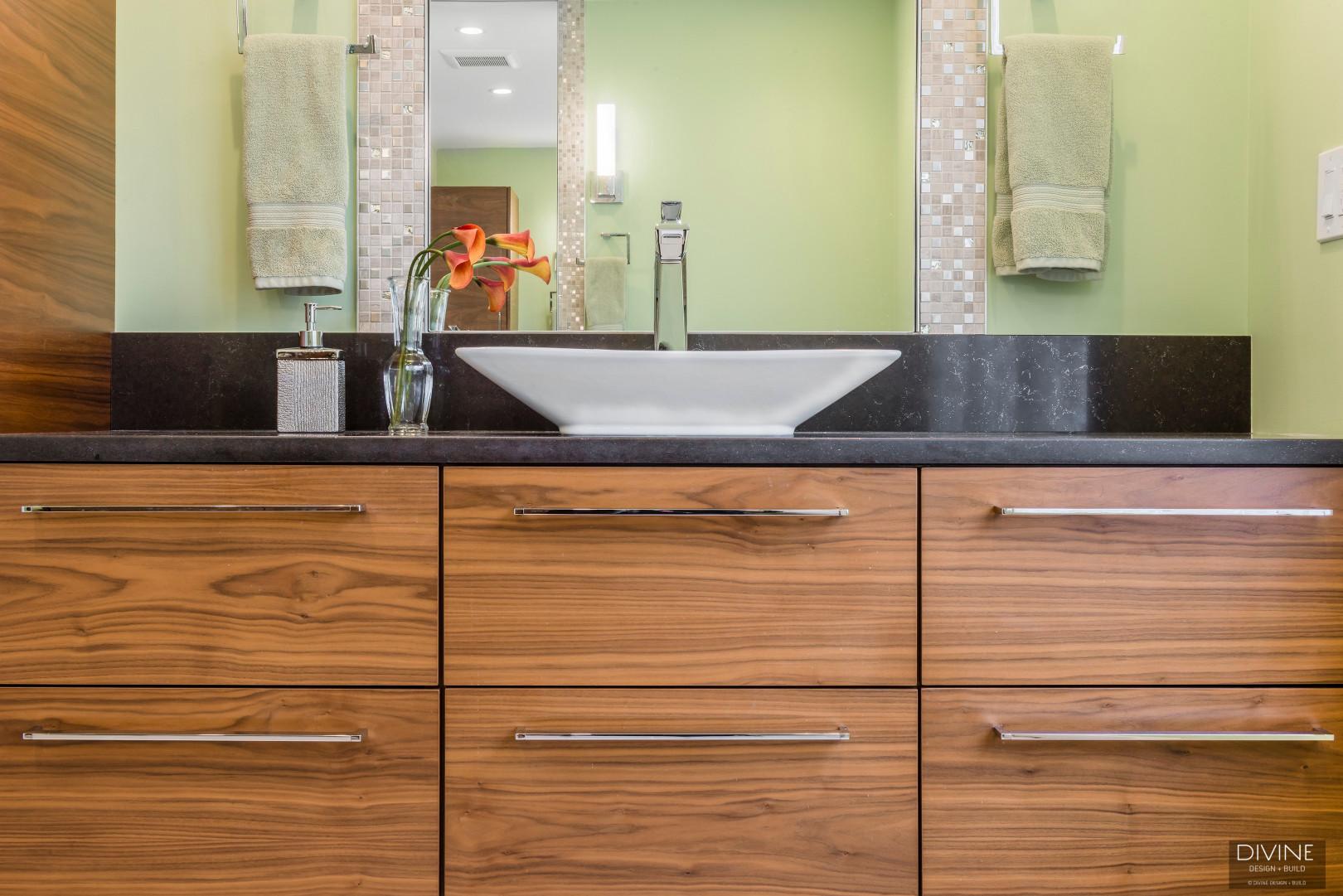 Boston-Weston-contemporary-transitional-master-bathroom-suite (15).jpg