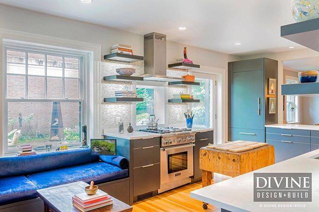 A modern @leichtusa kitchen is #WinchesterMA.⠀ .⠀ .⠀ .⠀ @LEICHTkuechen #modernkitchen #interiordesign #interiorsboston #kitchendesign #designbuild
