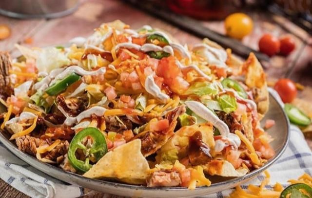 Start your Sunday off with everyone's favorite, famous appetizer: Our BBQ Nachos! #FamousDavesBBQ #FamousDavesQue #FamousDaves #FamousFood #FamousNoms #FamousAppetizers #FamousStarters #Nachos #FoodForFoodies #Food #FoodPhotography