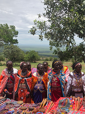 Gathering of Maasai ladies to celebrate the launch of the Ushanga Project – empowering pastoral women through their beadwork (2018)