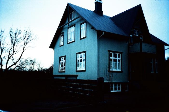 Reykjavik+Homes+and+Shops+04_Hind+Mezaina.jpg