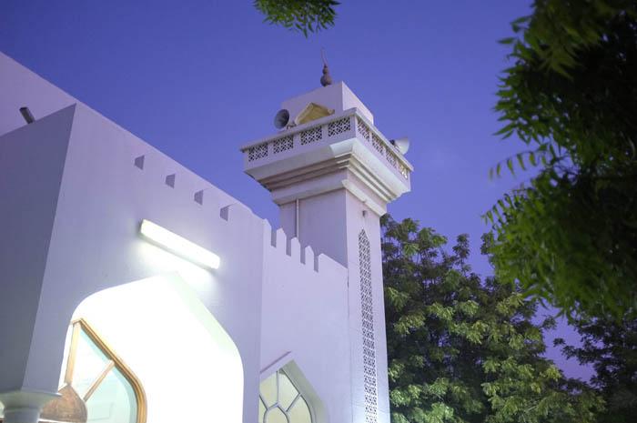 Antonie+Robertson_Ramadan_Shams+Abdul+Raheem+Mosque+1.jpg
