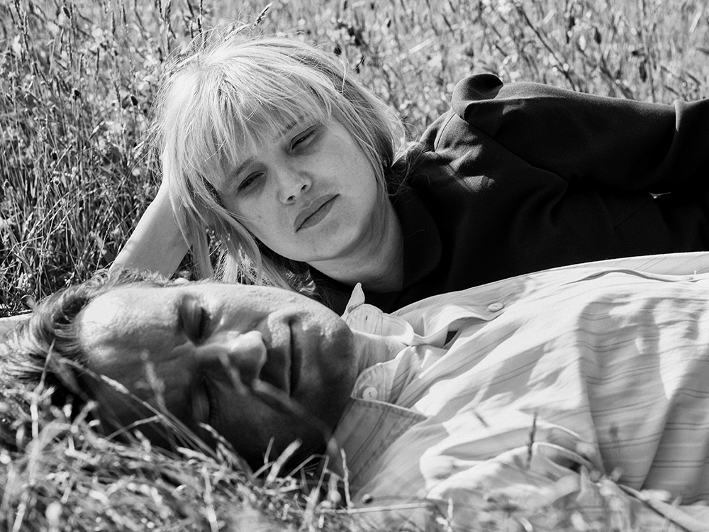 Cold War (Pawel Pawlikowski, 2018)  Heartbreaking love story amidst political persecution. A story that goes through a couple of decades, yet, we only get glimpses of the changes in their lives and who they have become.  Also,  gorgeous  black and white cinematography.