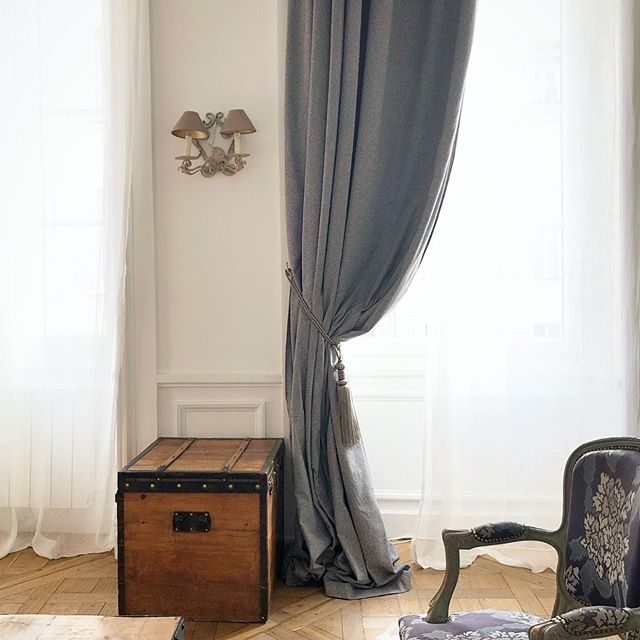 #tbt to staying in the dreamiest Parisian Airbnb with the Jillian O'Neill Collective team 😍 #takeusback . . . . . #design #paris #travel #interiordesign #luxurydesign #interiordesigner #houston #london #chicago #dreamy #loveit #tbt