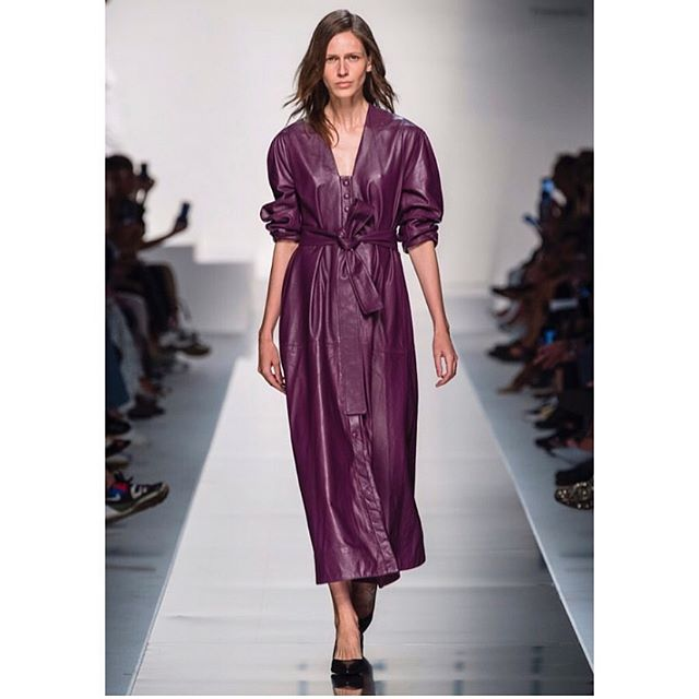 Getting our fill of our favorite shade from the runway this week, supporting some talented friends as they debut at Milan fashion week @nynne_online  #mfw2019 #londontomilan #fashioninspiration #design #colour #leather #internationaldesign #londondesign