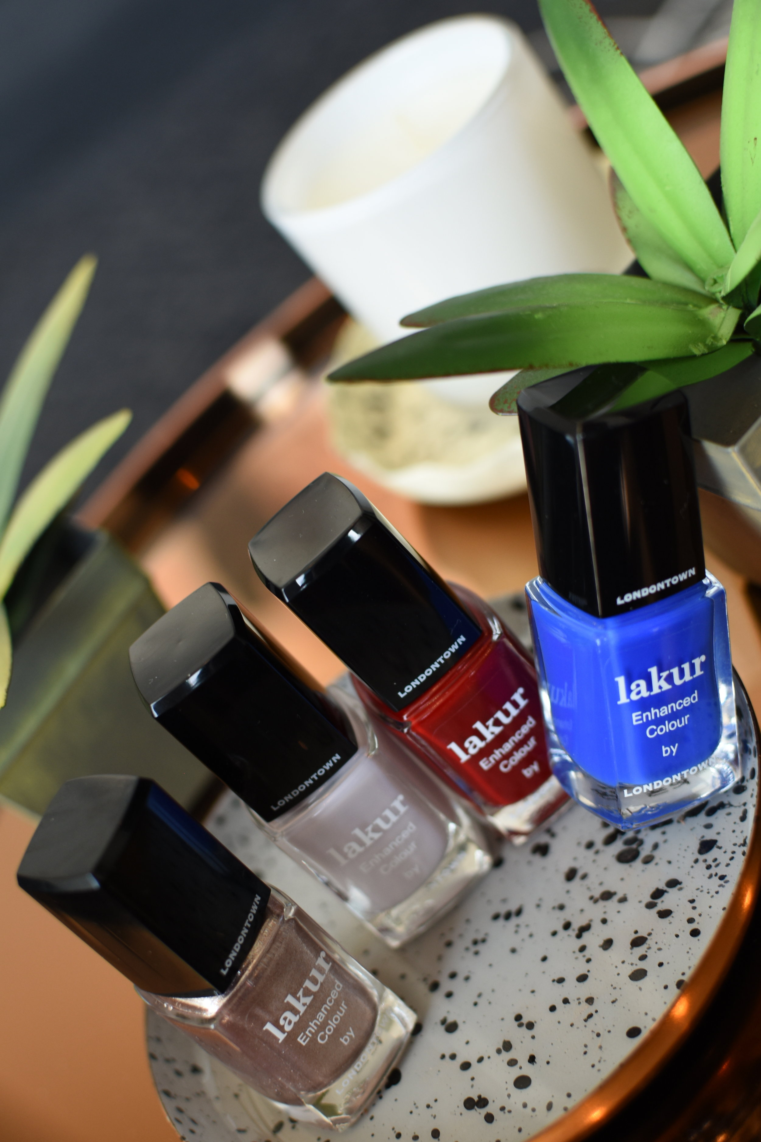LAKUR, Nail Polish, Londontown, Enhanced Colour, Nail Care, Luxurious Nail Polish, Luxury Nail Care, Luxury Style, Self-pampering