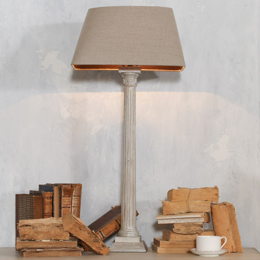 EL Column White Table Lamp 5wx5dx35h use.jpg