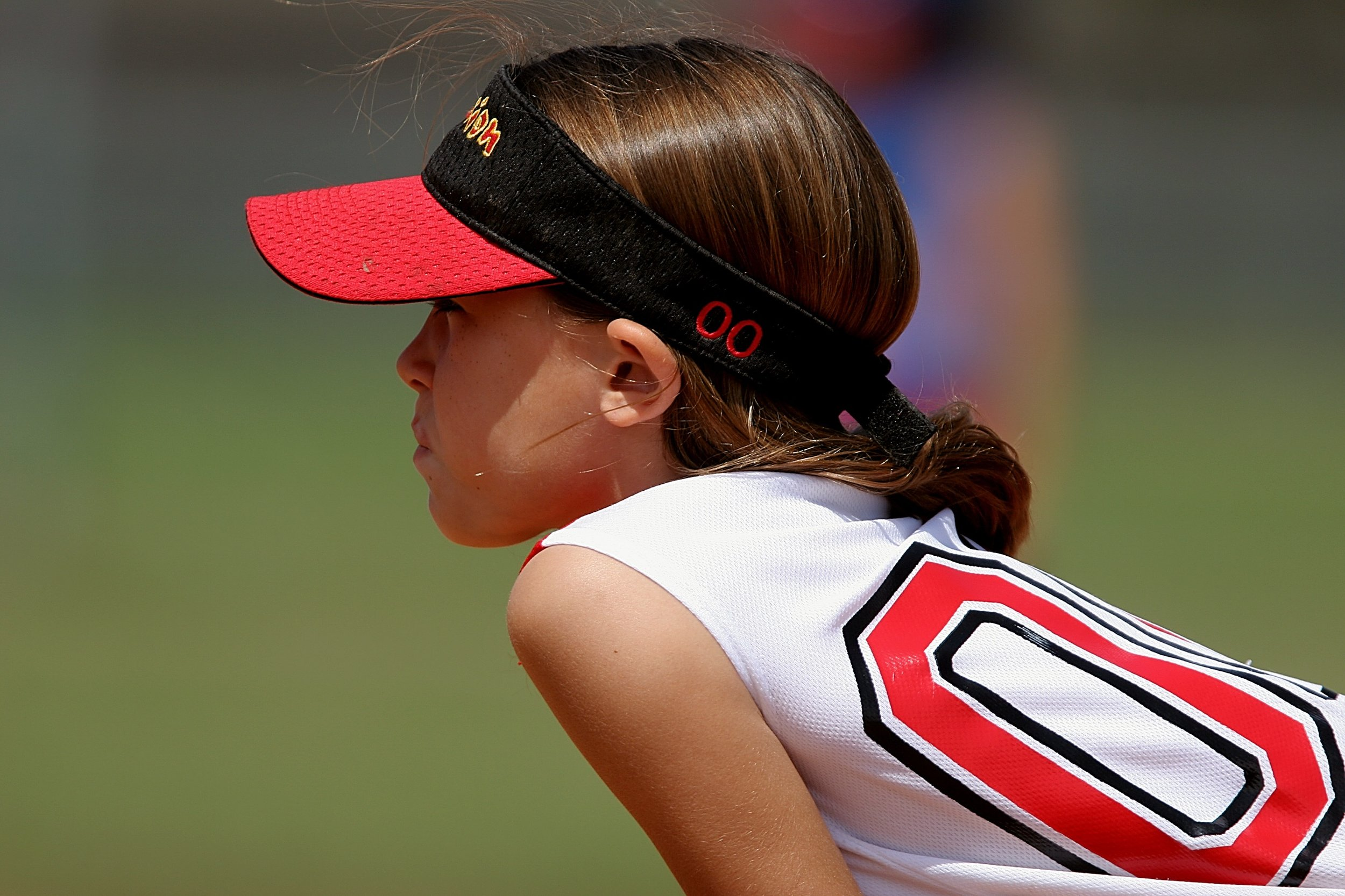 softball-player-female-youth-163375.jpeg